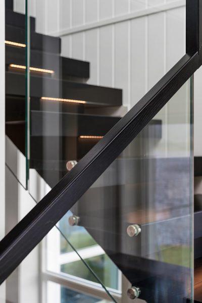 Glassrekkverk av trapp. Modell XI-05